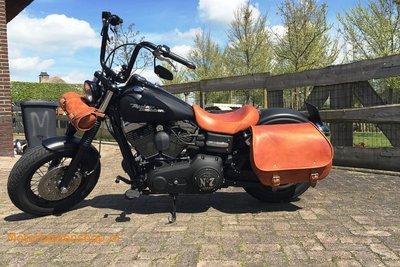 Harley Davidson Dyna met Bigbag, cognac, 40L, P7900