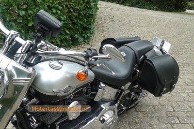 Harley Davidson Softail met motortas Classic 27, zwart, 2X27L, G5501s